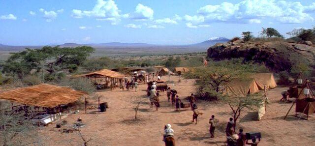 File:Kirinyaga safari camp.jpg
