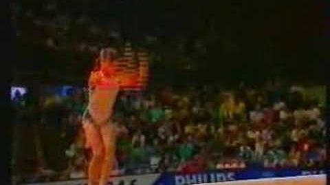 AURELIA DOBRE ON BEAM AT THE 1987 WORLDS