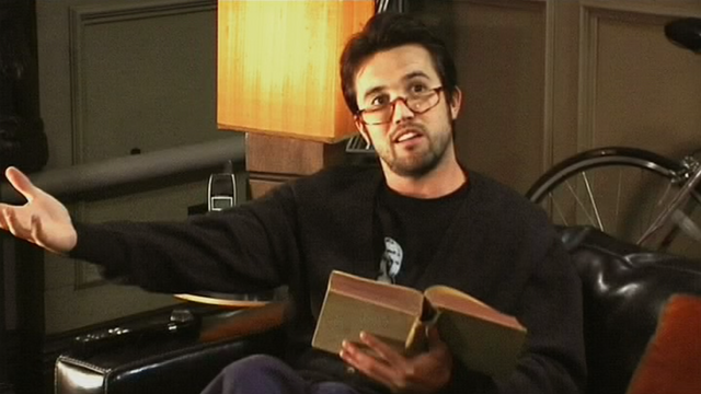 File:5x10 Mac with glasses 2.png