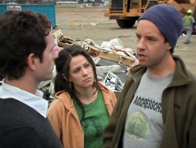 File:3x01 The Gang Finds a Dumpster Baby 04.png
