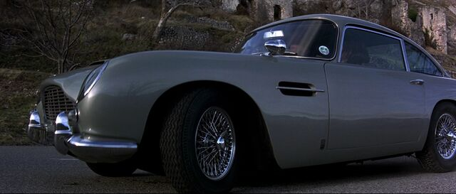 File:Goldeneye - The DB5 parked.jpg