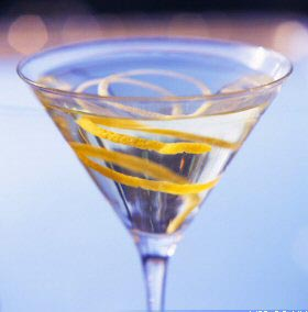 File:Vodka martini.jpg