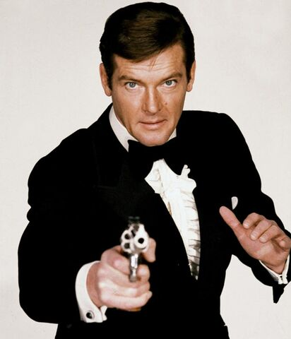 File:Bond - Roger Moore - Profile.jpg