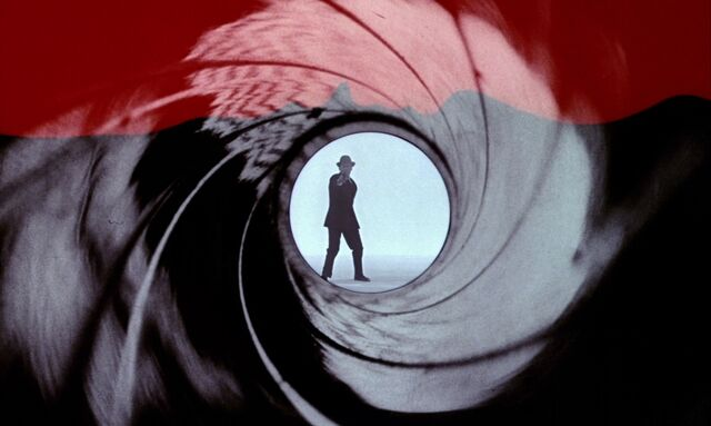 File:Dr. No - Gun Barrel with Bob Simmons.jpg
