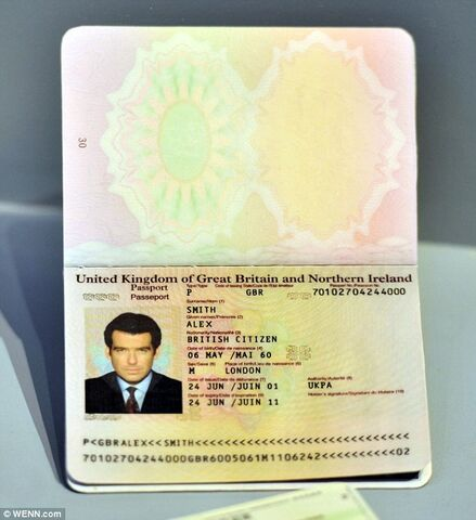File:JamesBondDieAnotherDayFakePassport.jpg