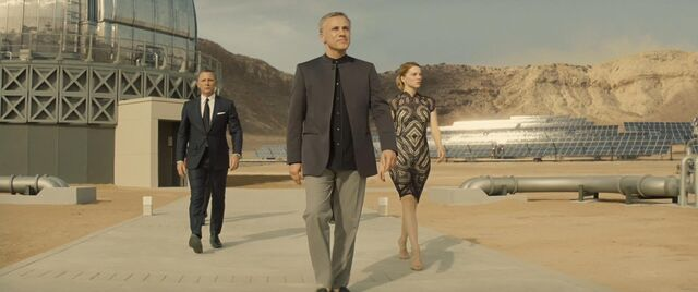 File:Spectre - Blofeld takes Bond on a tour of his facility.jpg