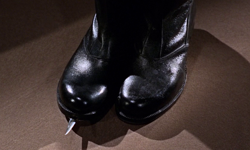 Dagger Shoes James Bond Wiki Fandom Powered By Wikia