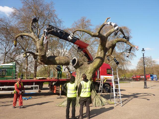 File:Avatar-1-event-gbr-tree-6.JPG