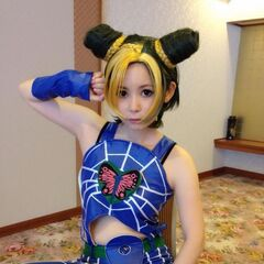 Shoko cosplaying as Jolyne Cujoh