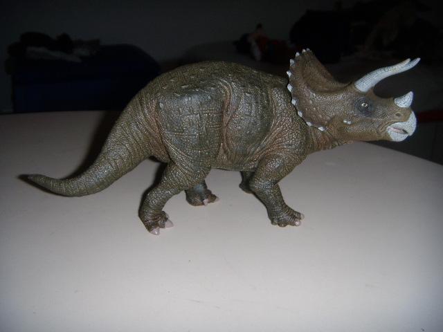 File:Papo Triceratops.JPG