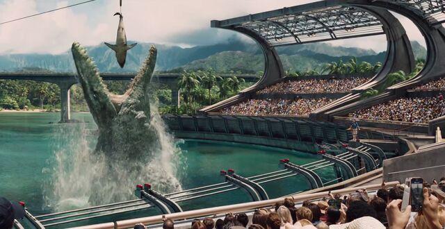 File:Mosasaur Feeding Show.jpg