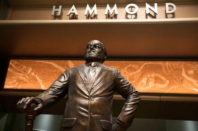 File:Hammond Memorial JW.jpg