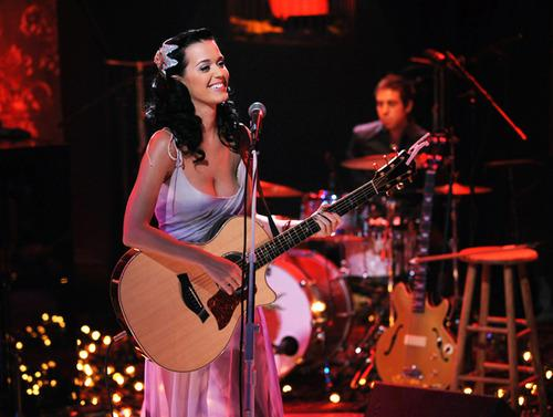File:Katy Perry Unplugged Guitar.jpg