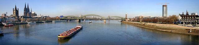 Datei:Panorama cologne 20050114.jpg