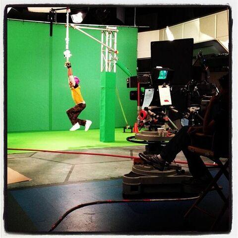 File:Zip It Behind the Scenes.jpg