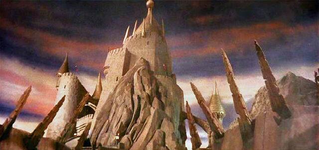 File:Castle labyrinth.jpg