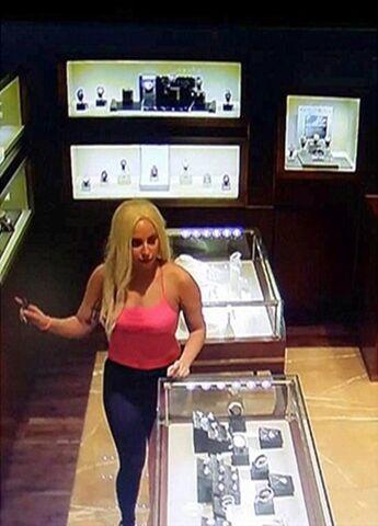 File:9-11-14 At Bvlgari Store in Dubai 001.jpg