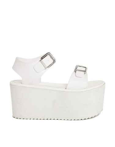 File:YRU - Orion white sandals.jpg
