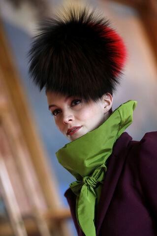 File:Christian Lacroix x Schiaparelli - Headpiece.jpg