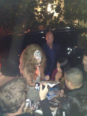 File:9-17-13 Leaving KIIS FM Studio 003.jpg