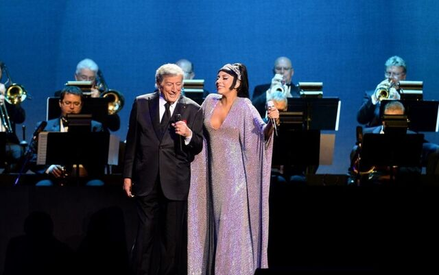 File:12-30-14 Cheek to Cheek Tour 005.jpg