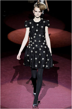 File:Marc Jacobs Fall 2009 RTW Embroidered Black Dress.png