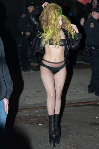 File:4-2-14 Leaving the Roseland Ballroom in NYC 001.jpg