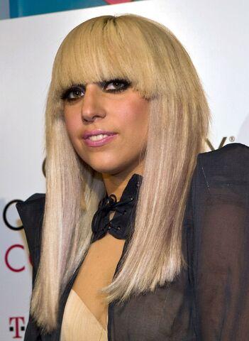 File:5-4-09 TFBT at Grammy Celebration Concert in Boston - Press Room 002.jpg