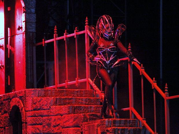 File:The Born This Way Ball Tour Government Hooker 013.jpg