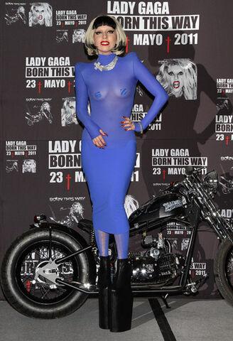 File:Gaga-mexico-1.jpg