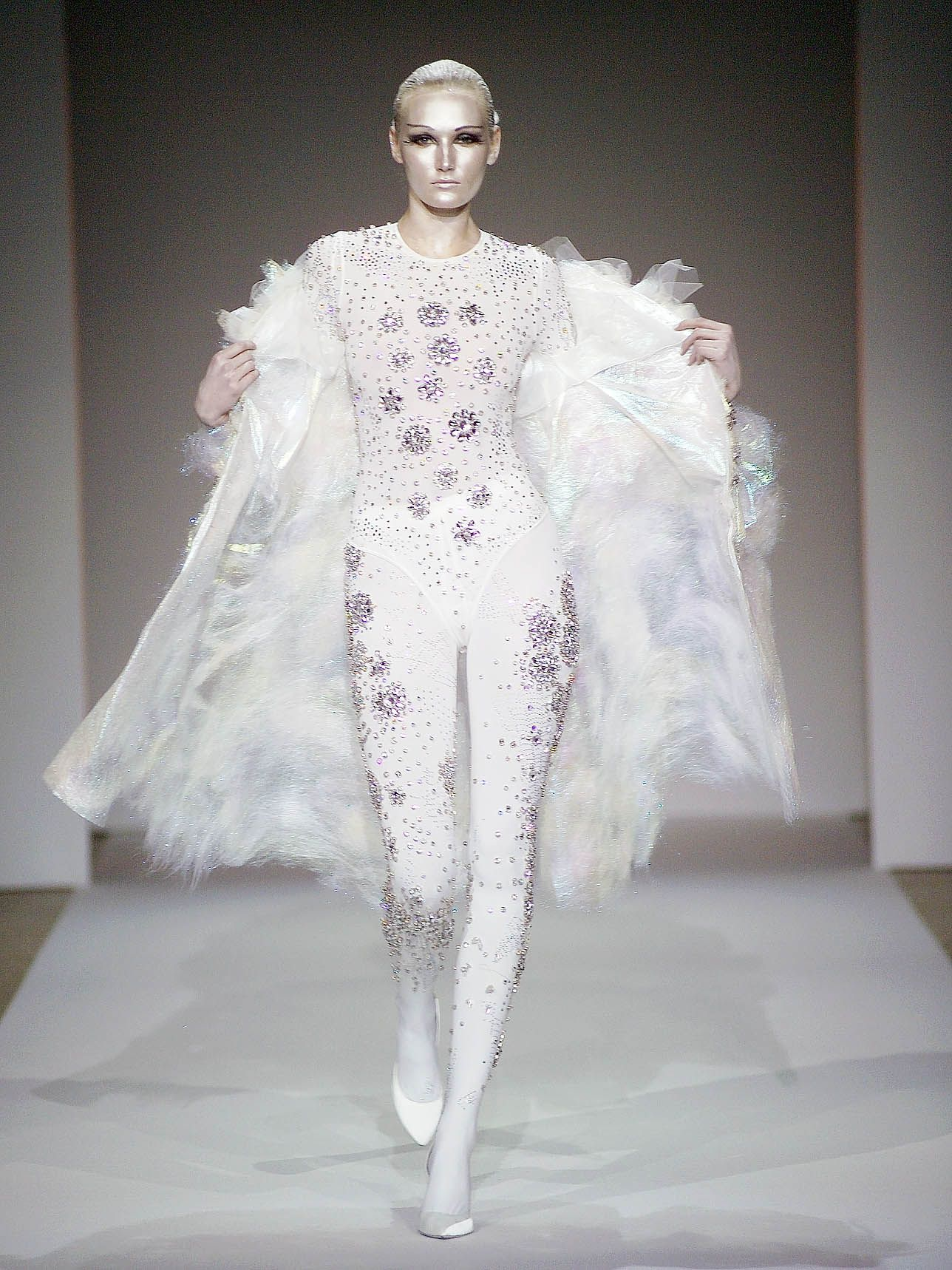 File:On Aura Tout Vu Spring 2005 Body.jpg