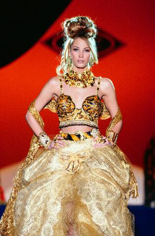 File:Atelier Versace Spring 1992 Beaded Top.jpg