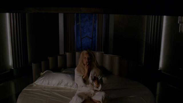 File:AHS Hotel - She Wants Revenge 019.jpg