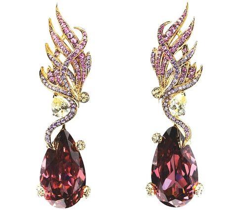 File:Anabela Chan - Dark Forest Feather earrings.jpg