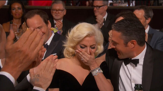 File:Golden Globes 2016 Live Screenshot 02.jpg