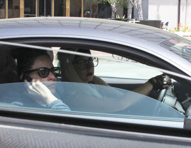 File:4-5-12 Driving in Beverly Hills.jpg