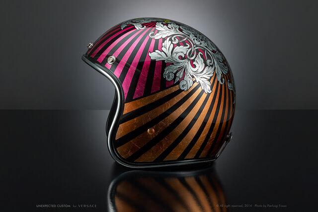 File:Versace - Unexpected customs motorcycle helmet.jpg