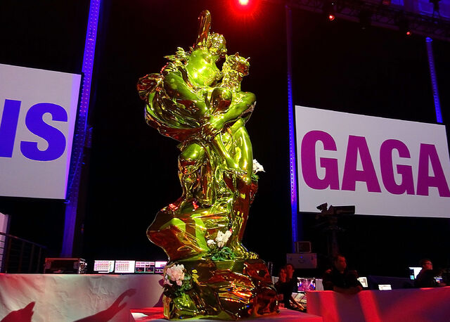 File:ArtRave - Jeff Koons Sculpture 004.JPG