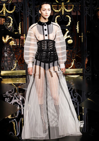 File:Louis Vuitton Fall 2011 Dress.jpg