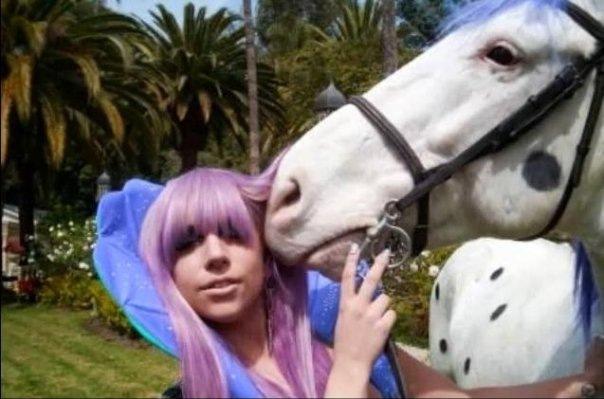 File:Paparazzi (Horse Scene 2).jpg