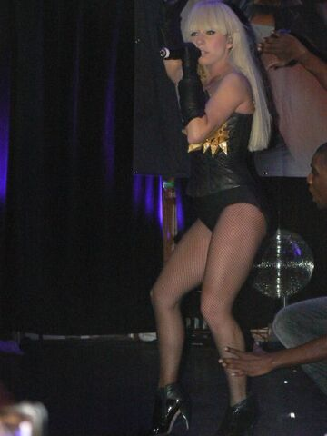 File:12-19-08 Berns Nightclub 001.jpg