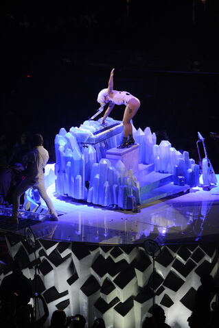 File:9-24-14 You And I artRAVE 1.jpg