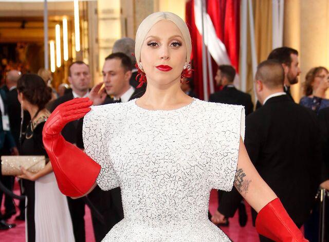 File:2-22-15 Oscars Red Carpet 003.jpg