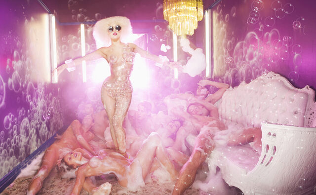 File:5-14-09 David LaChapelle 004.jpg