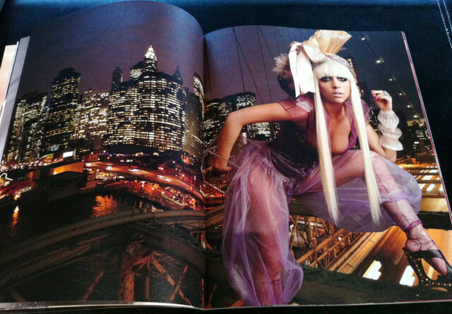 File:Super Lady Gaga 019-020.jpg