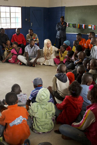 File:Lady Gaga UN-UNICEF 007.jpg