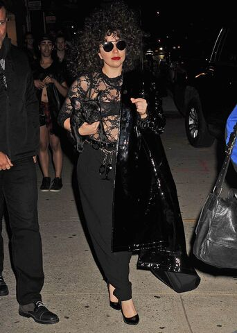 File:6-9-14 Leaving a Recording Studio in NYC 001.jpg