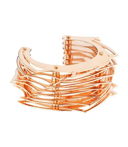 File:Lynn Ban - Large throwing star cuff.jpg