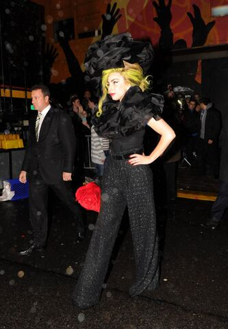 File:4-7-14 Leaving the Roseland Ballroom in NYC 001.jpg
