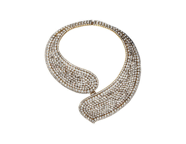 File:Erickson Beamon - Statement necklace.jpg